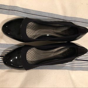 Naturalizer black patent shoe size 7.5 women